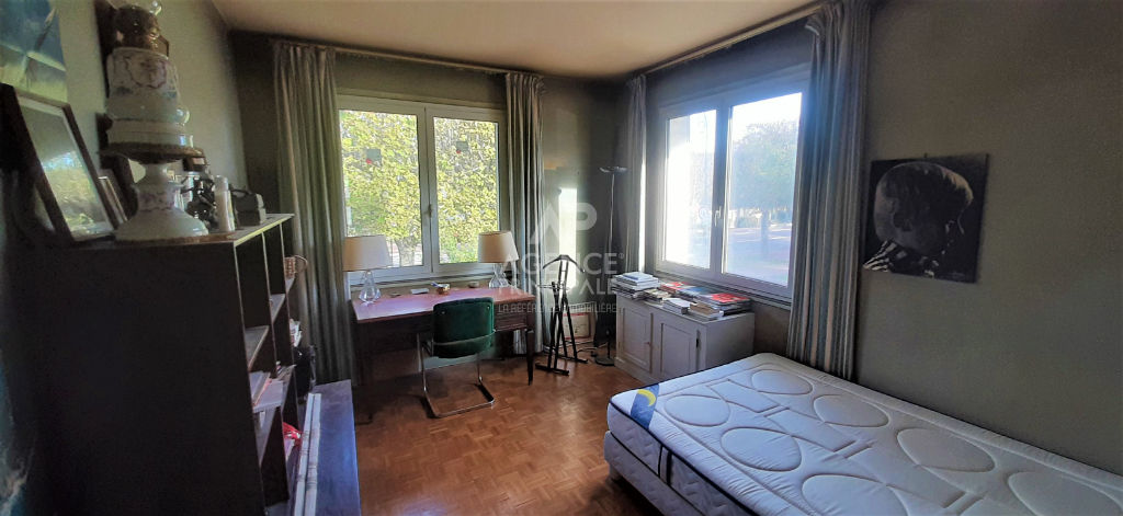 SAINT-CLOUD / PASTEUR Appartement terrasse 2 chambres 100 m² 8/12